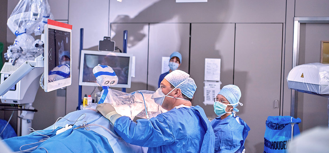 Hörimplantation von Cochlea Implantat mit dem HEARO